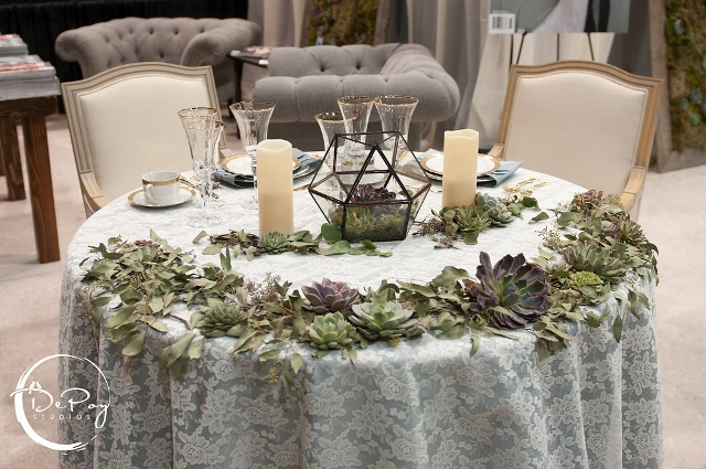 the different things to consider in making a terrarium Consider making your terrarium with a theme and then you can add little extras that add excitement to it some good theme ideas include a desert theme, a rainforest theme, or a magical theme that might include small statues or figurines.