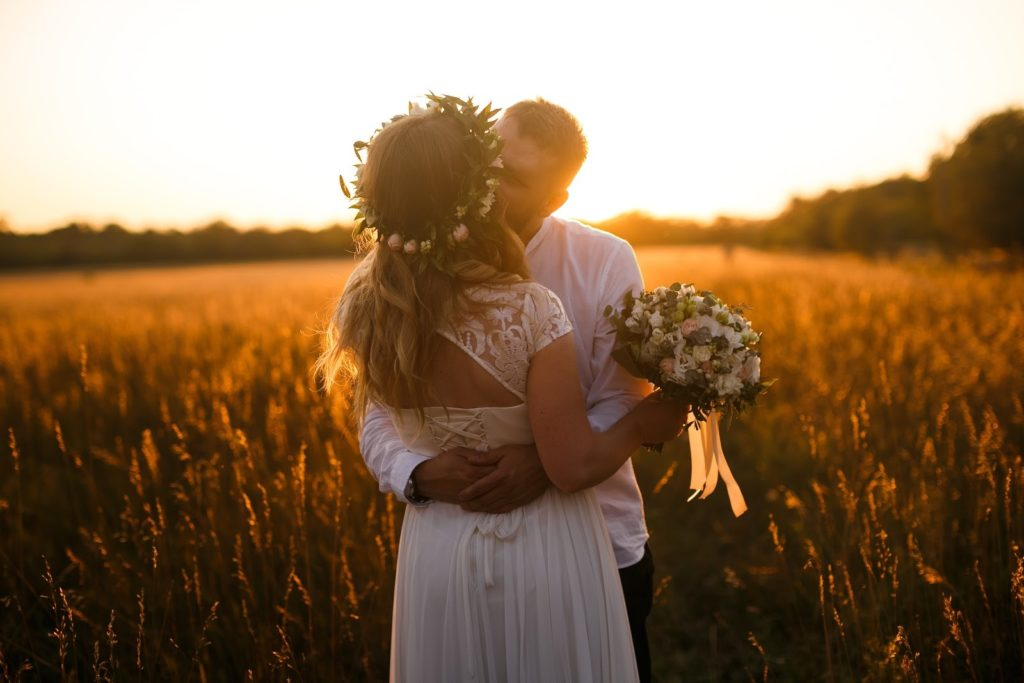 Popular Wedding Themes for Fall and Winter Sunset Wedding Photo